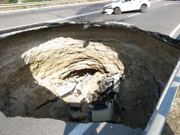 В Симферополе укрепляют стенки туннеля на месте обрушения объездной дороги