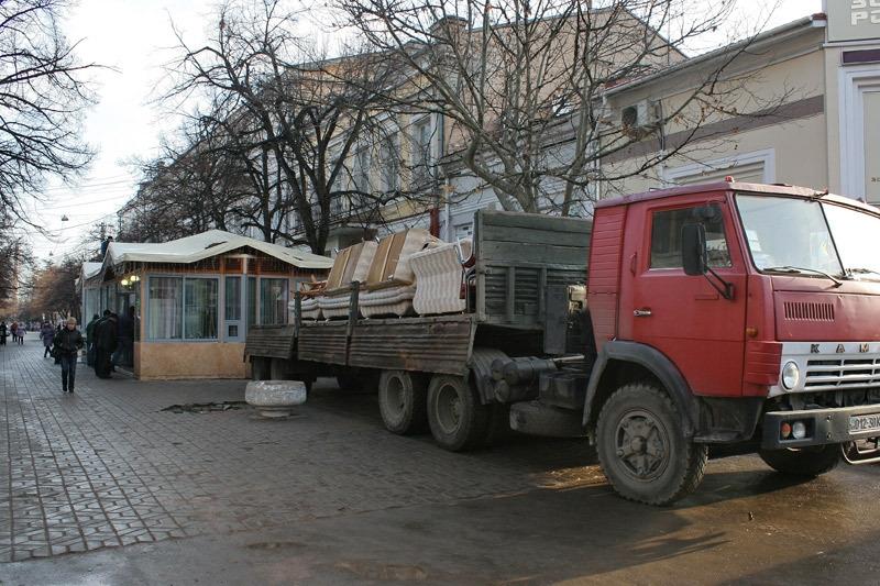 Яма на месте снесенного кафе «Пушкин» будет восстановлена за счет внебюджетных средств