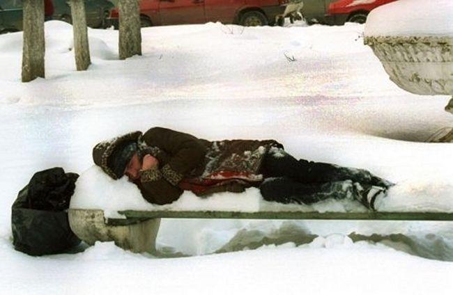 Полицейские в Севастополе спасли от замерзания 4 человек