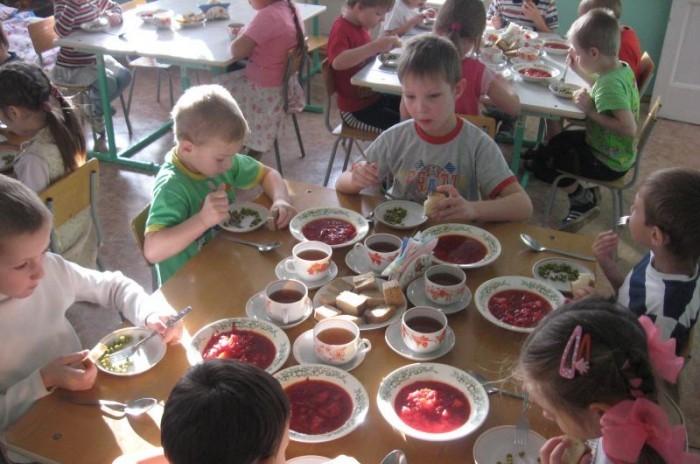 В некоторых детских садах Евпатории продукты покупаются за счет родителей