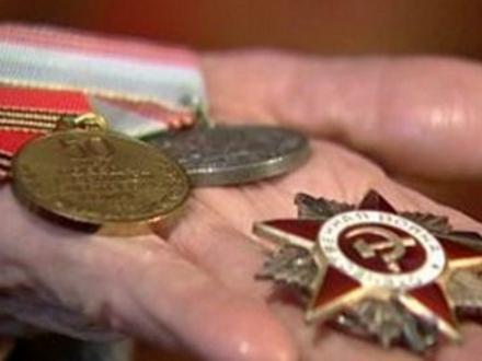 В Судаке местный житель похитил у ветерана награды
