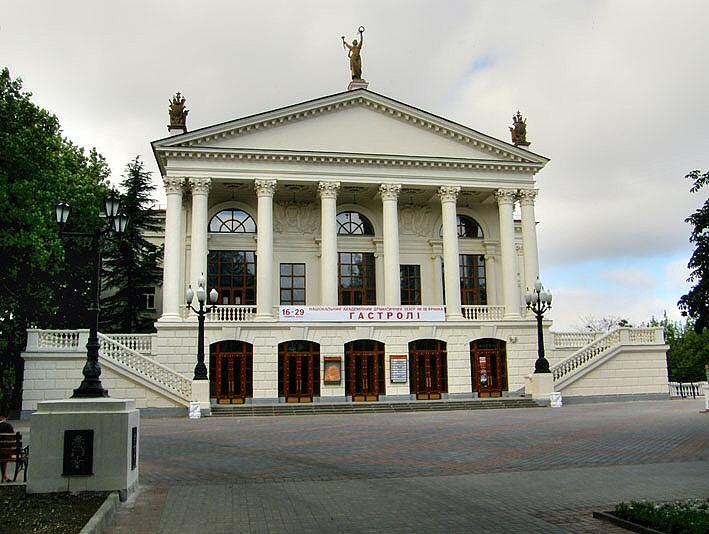 В Севастополе показали спектакль-концерт «Севастопольская весна»