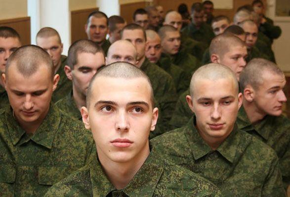 Уже служивших крымчан освободят от призыва в российскую армию