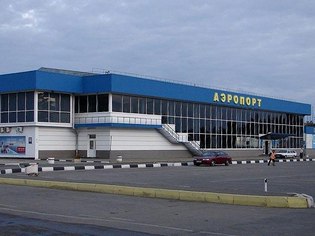Симферопольский аэропорт начал работать в круглосуточном режиме