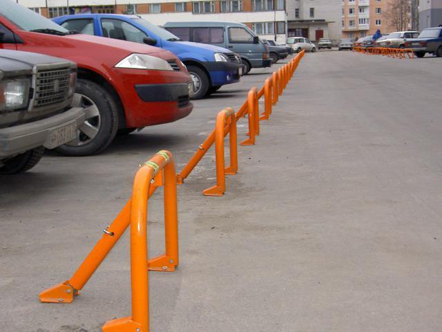 В городах Крыма демонтируют незаконные ограждения на дворовых подъездах