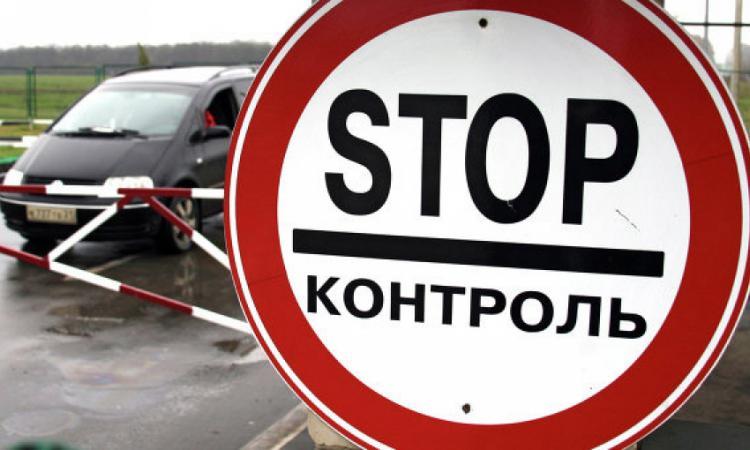 Аксенов связал очереди на крымско-украинской границе с неквалифицированной работой таможенников