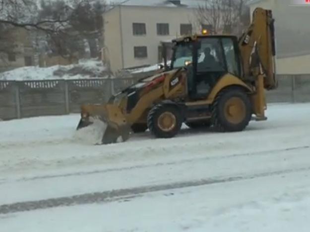 Снегопад оставил без света 18 тысяч крымчан