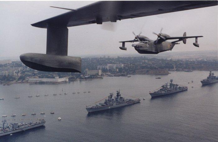 Корабли Черноморского флота проводят учения в море