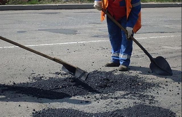 На ремонт дорог в Симферопольском районе направят 370 млн. рублей