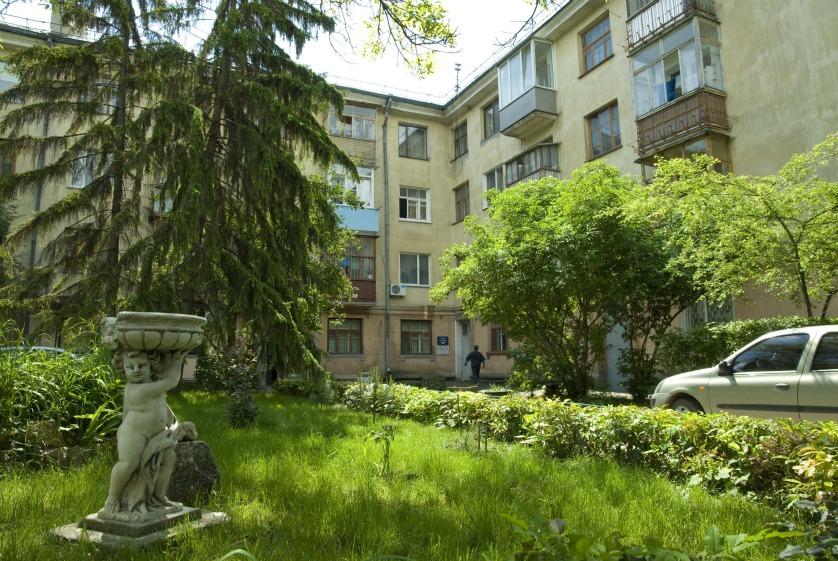 В Симферополе на первом этапе благоустроят лишь 5 двориков