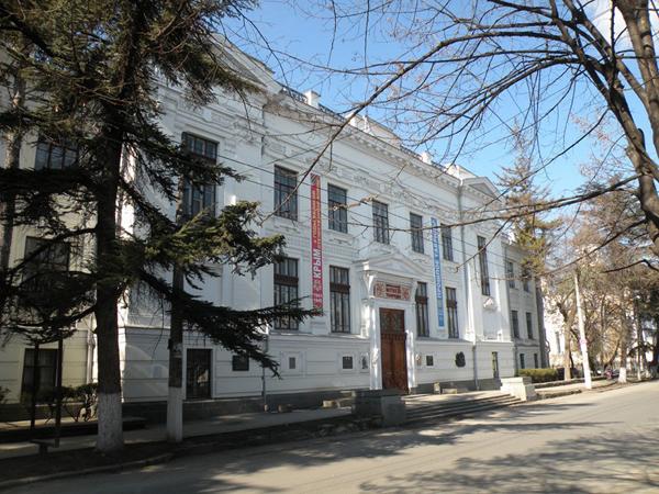 Симферопольскому музею передали археологические находки