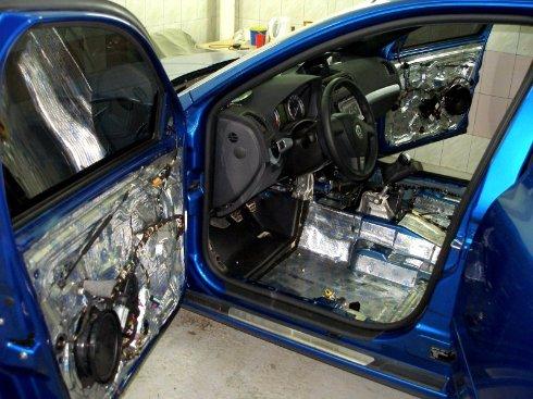 Шумоизоляция автомобиля – свойства и применение