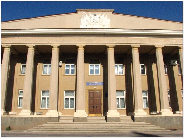Евпаторийский суд заставит местные власти отремонтировать дороги