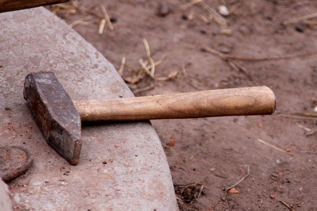 Грабитель забил пенсионерку молотком