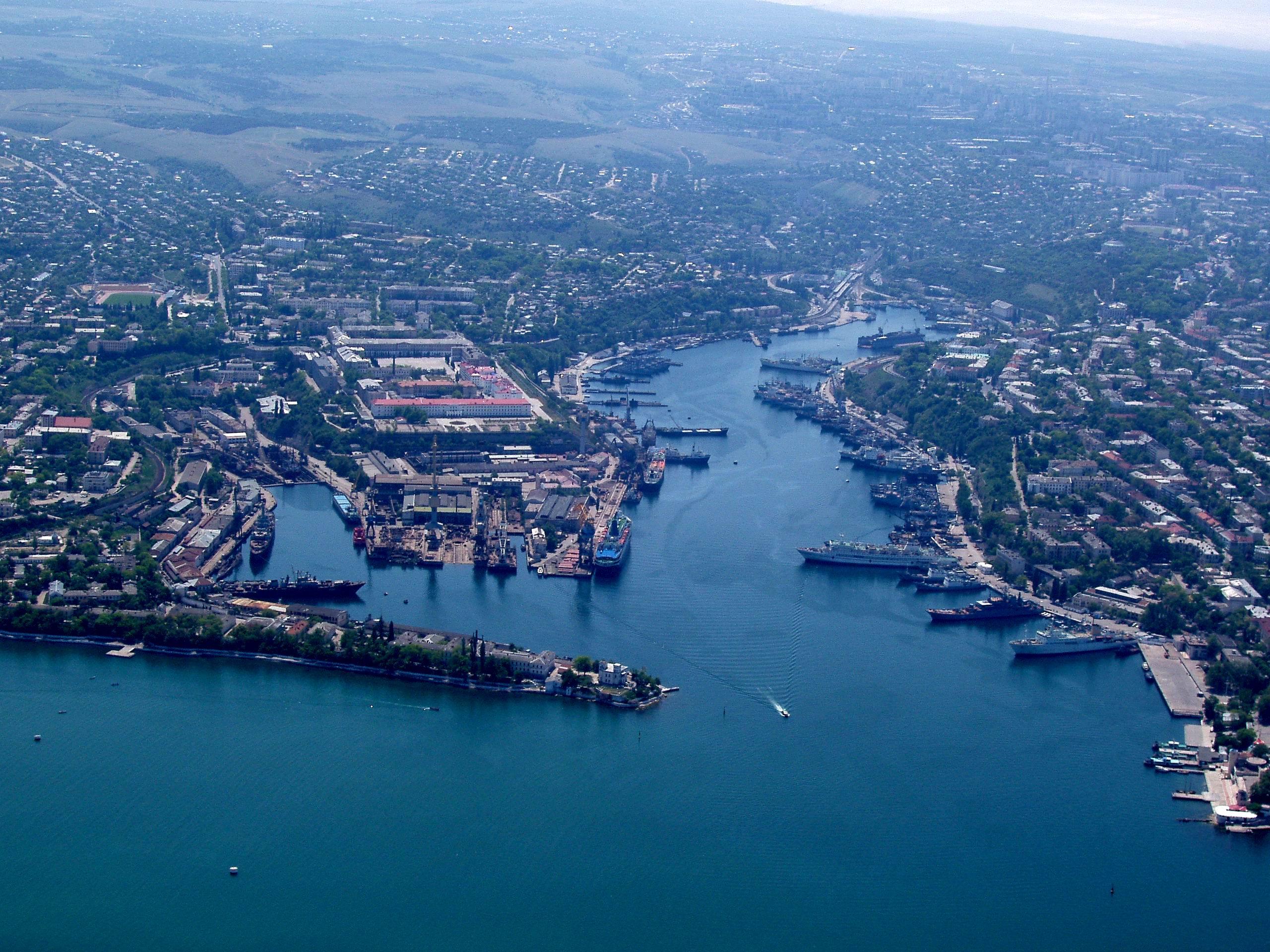 Летом в Севастополе ожидают до 400 тысяч туристов