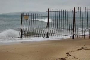 Туристы в Крыму смогут пройти на любой пляж