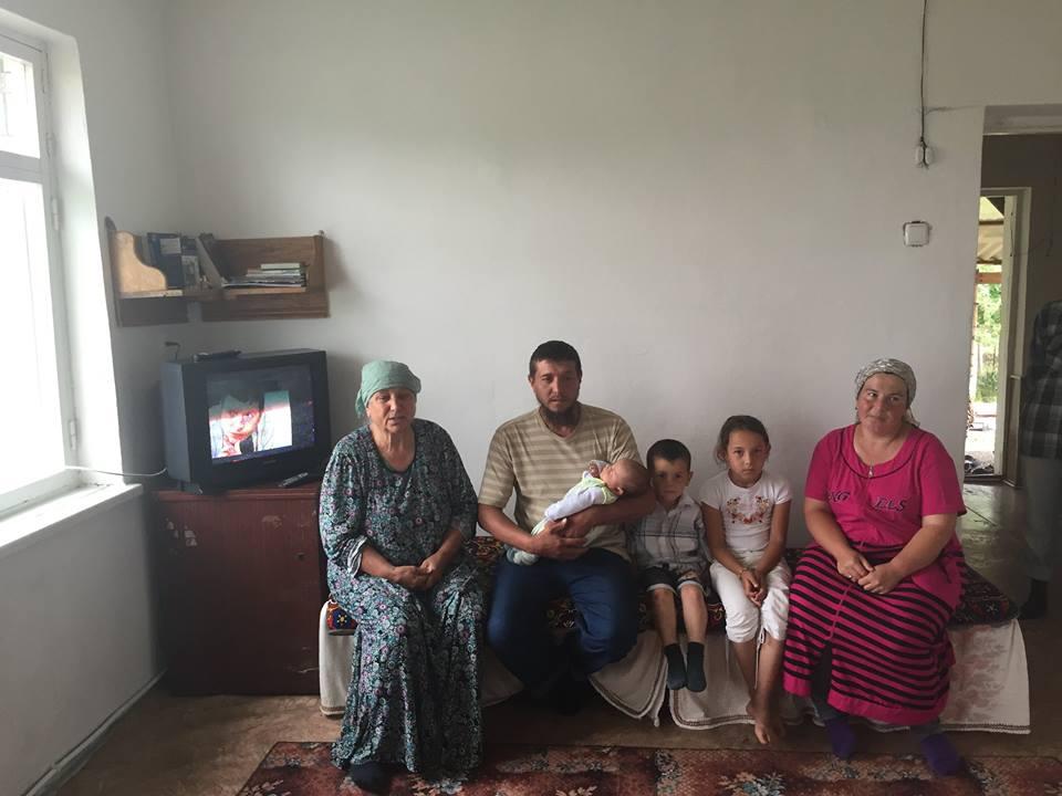 Семья крымских татар почти 8 лет жила без электричества
