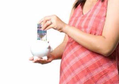 На что имеет право беременная женщина, которая заменяла другую до её выхода из декретного отпуска?