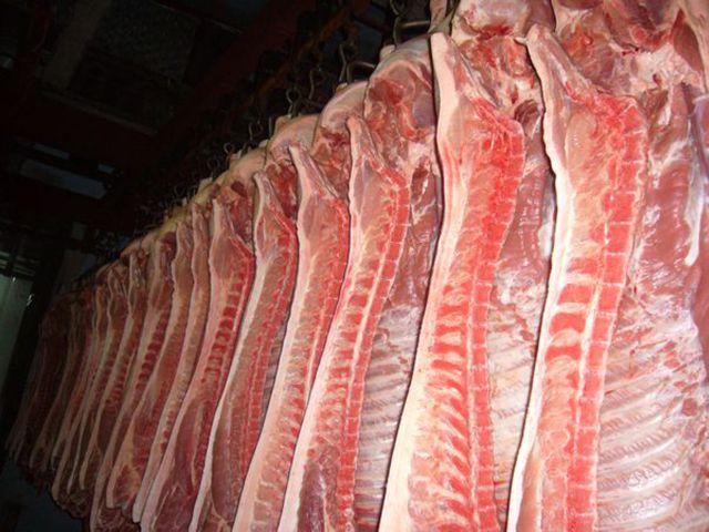 В Крым вновь не пропустили свинину из Украины