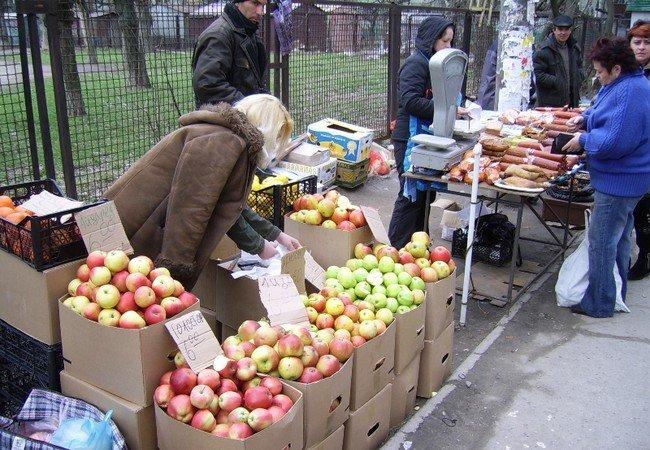 В Симферополе оштрафованы владельцы незаконных торговых точек