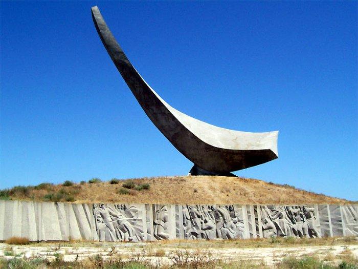В Керчи намерены отреставрировать памятник героям Эльтигенского десанта