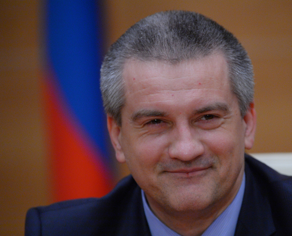 Аксенов приглашает в Крым партнеров из Владимирской области