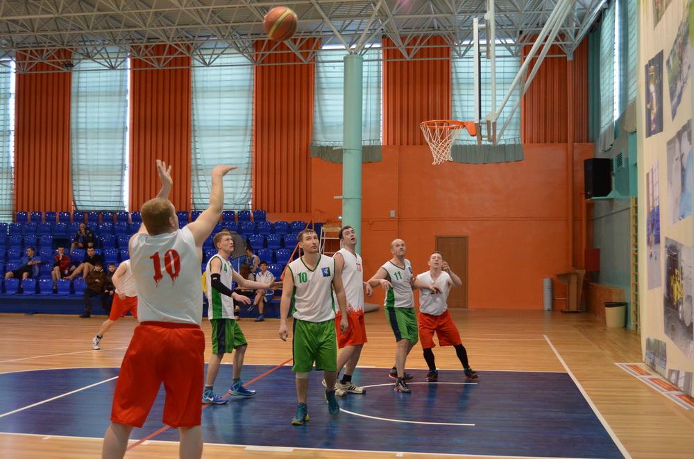 Сегодня в Симферополе прошел первый этап Чемпионат по баскетболу
