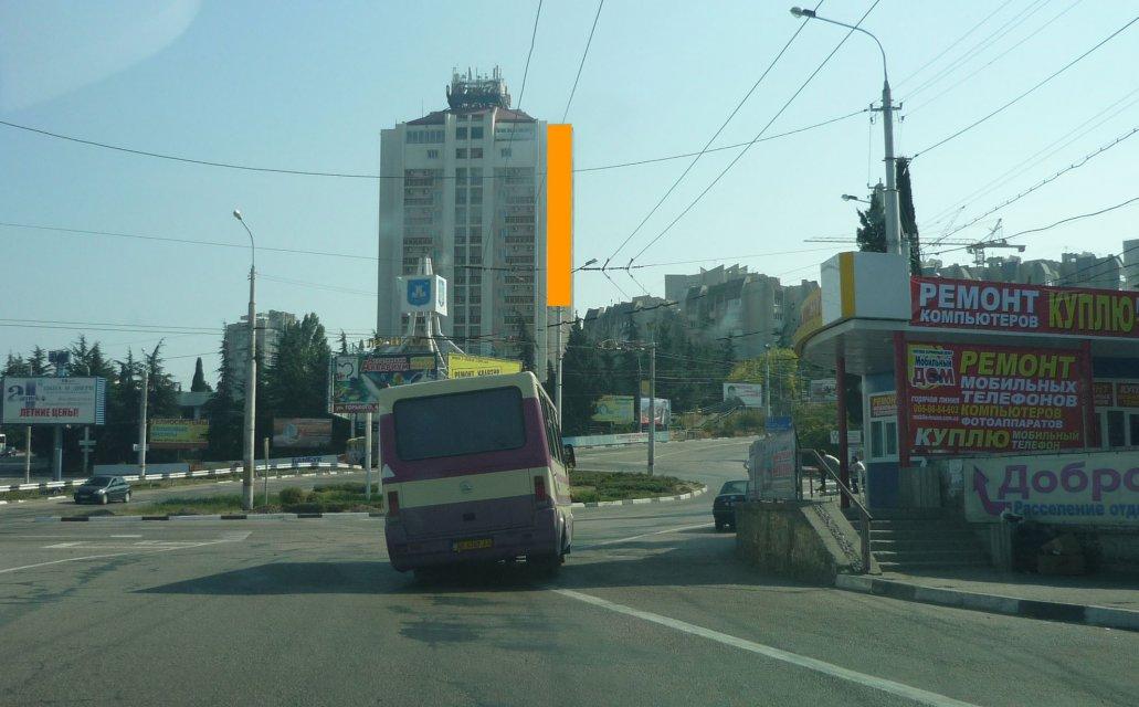 В Алуште продлили действие украинских разрешений на размещение рекламы