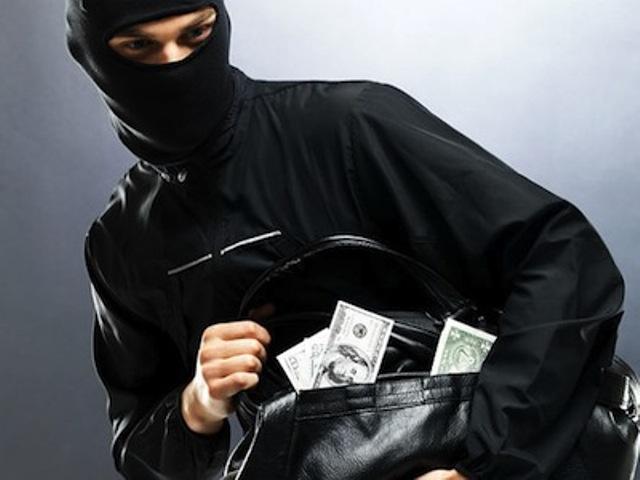 В Севастополе наркоман украл у пенсионера 3 тысячи евро