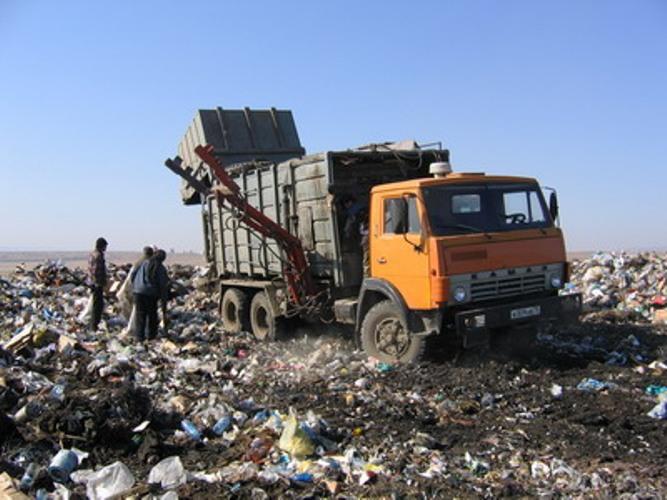 Аксенов поручил коммунальщикам разработать план уборки Симферополя