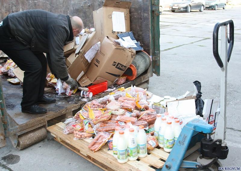 Уже в августе в России начнут уничтожать продукты, запрещенные к ввозу