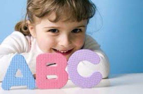 Как правильно обучить ребенка двум языкам