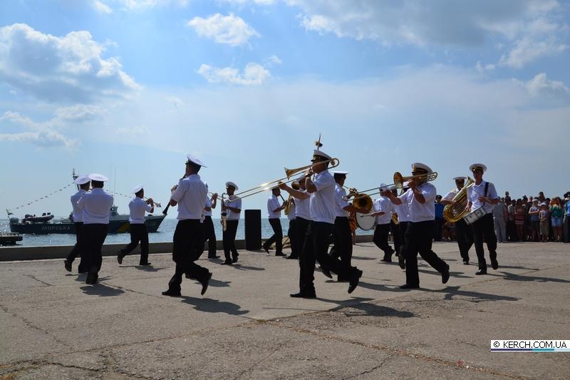 Завтра в Керчи отпраздную День Военно-морского флота