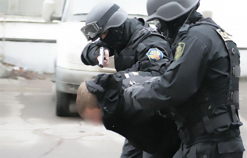 Полиция прикрывала в Крыму поставщиков опиума