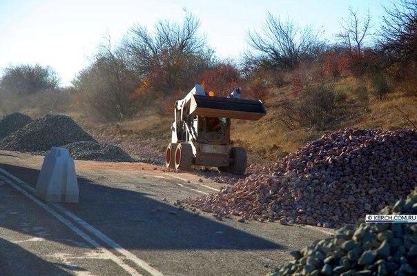Ремонт дороги на трассе Керчь-Симферополь проводится без предупреждающих знаков