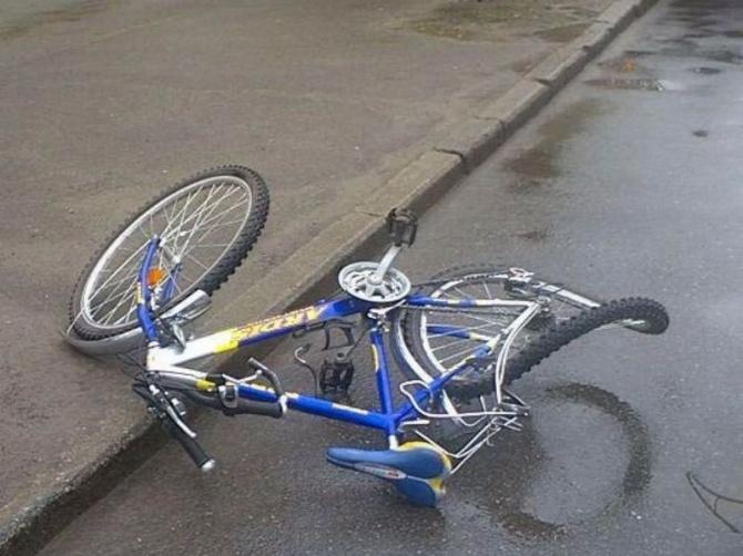 Невнимательный водитель травмировал ребенка на велосипеде