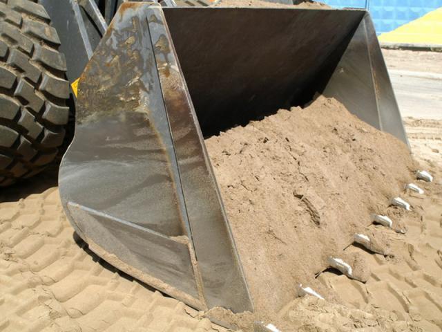Крымская прокуратура проверит факт незаконной добычи песка на озере Акташ