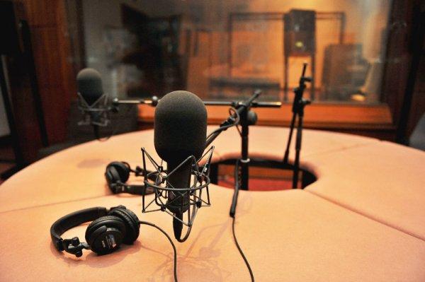 В Крыму начала вещать радиостанция «Море»