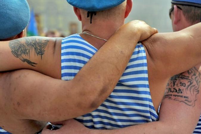 В воскресенье в Симферополе отметят День десантника