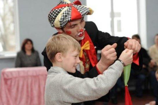 Благотворительная деятельность в детских домах и интернатах