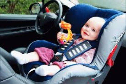 Обязательный автоаксессуар - автомобильное детское кресло