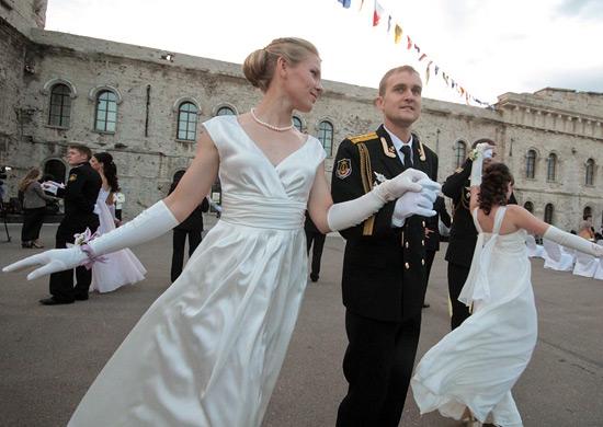 В Севастополе во второй раз пройдет офицерский бал