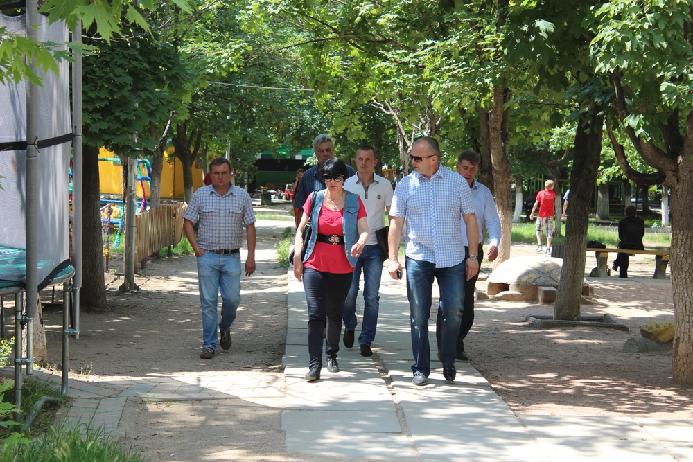 В Симферополе парк планируют очистить от мусора