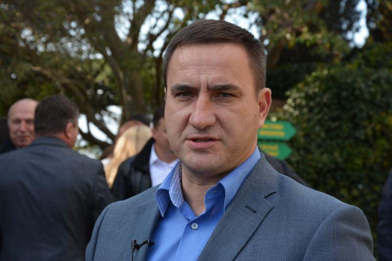Ростенко пообещал разбить на месте котлована в Ялте зеленую зону