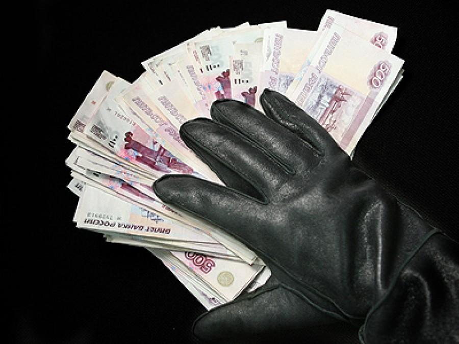 В Симферопольском районе мошенник выманил у местных жителей 52 тысячи рублей