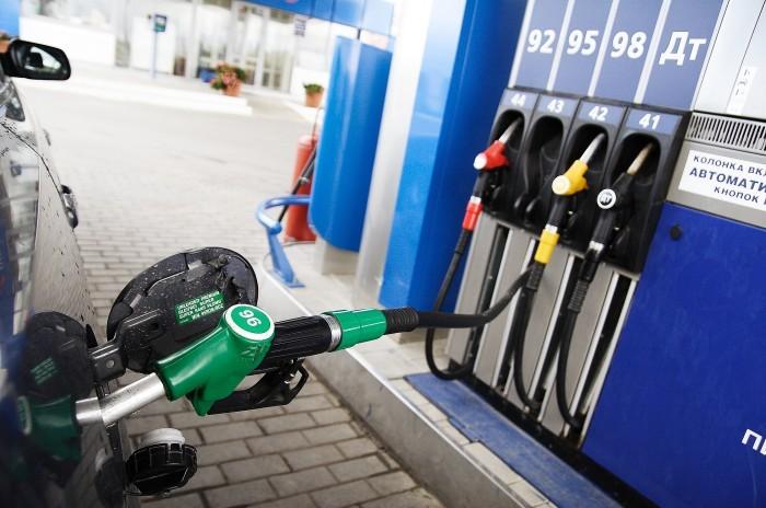 В Крыму уверены, что некачественный бензин поступает из России