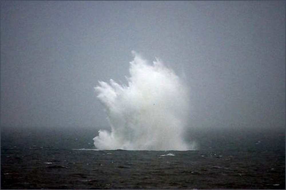 В Керченском проливе обнаружили торпедный катер и 130 боевых снарядов