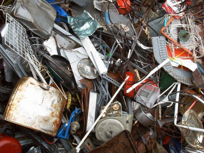 В Крыму определен перечень бытовых предметов, которые можно сдавать на металлолом