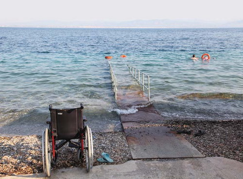 Для крымских инвалидов полностью оборудовано лишь два пляжа