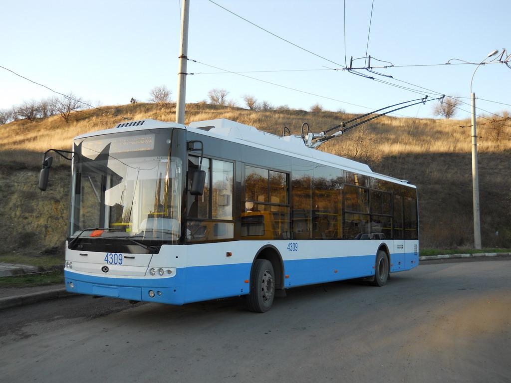 В следующем году проезд в крымских троллейбусах вновь подорожает